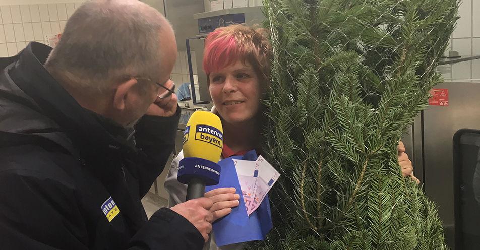 1.000 Euro ANTENNE BAYERN-Weihnachtsgeld rührt Thüngersheimerin zu Tränen