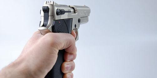 Raubüberfall auf Spielhalle in Neustadt an der Aisch - Polizei sucht den Täter