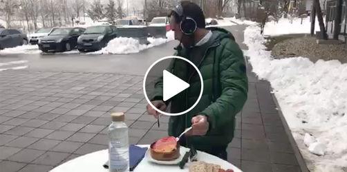 Wer lacht, verliert: Stefan Meixner isst ekligsten Fisch der Welt!