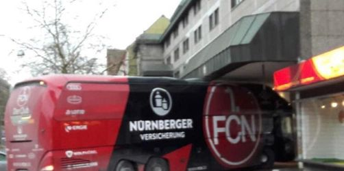 1. FC Nürnberg fehlt in Hannover noch das Augenmaß - Bus steckt fest