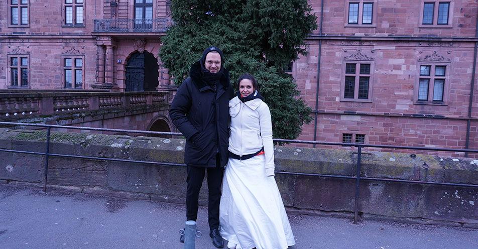 Drum prüfe, wer sich ewig bindet: Eva und Moritz starten längsten Hochzeitsmarsch in Aschaffenburg
