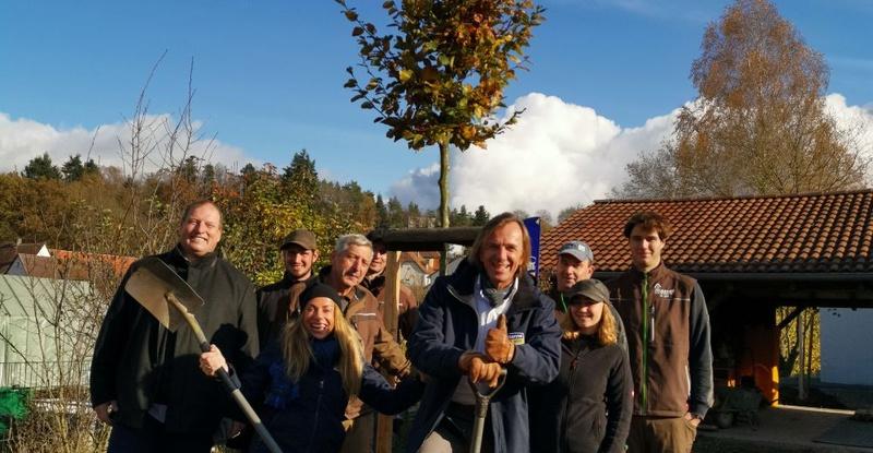 leiki-und-indra-pflanzen-in-ansbacher-kindergarten-bume-fr-die-zukunft-3.jpg