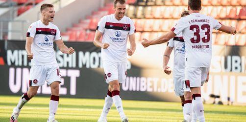 Relegations-Wahnsinn: 1. FC Nürnberg rettet sich in letzter Sekunde - Ingolstadt bleibt in Liga 3