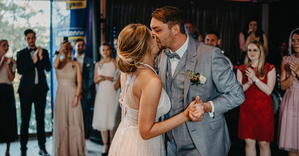"""Hochzeits-Happy-End: ANTENNE BAYERN rettet """"den schönsten Tag des Lebens"""" zweier Gaimersheimer"""