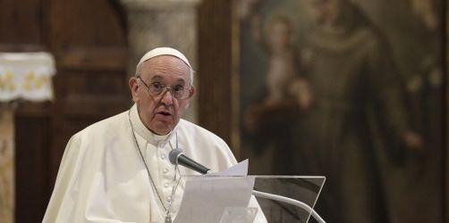 Papst Franziskus spricht sich für gleichgeschlechtliche Lebenspartnerschaften aus