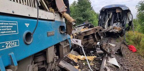 Mindestens drei Tote: Zug aus München in Tschechien verunglückt