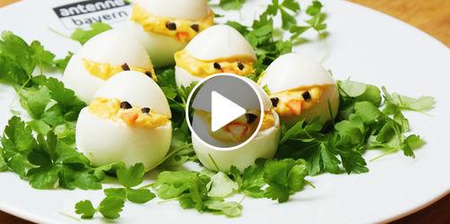 Gefüllte Eier-Küken
