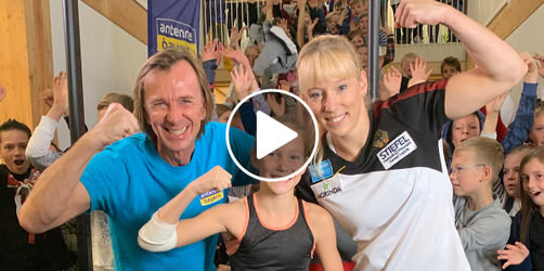ANTENNE BAYERN Klimmzug-Challenge im Video: Frauen besiegen Leiki