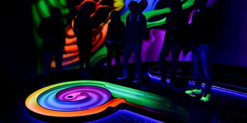 3D Schwarzlicht Minigolf