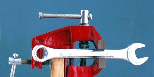 Kleine Heimwerker - große Gefahren / Geräte und Werkzeuge bergen Verletzungsrisiken