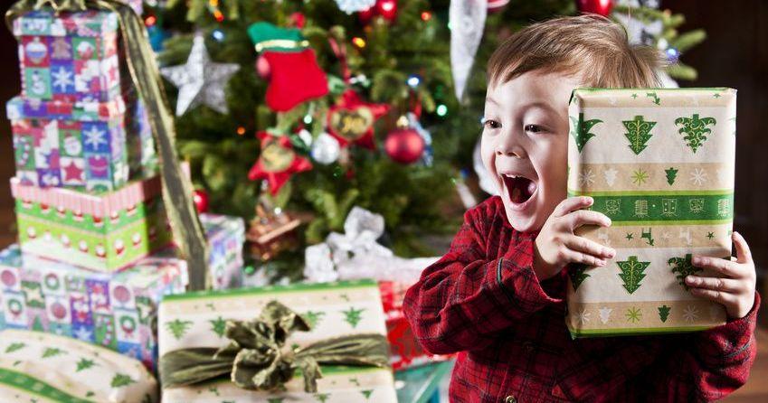 spielzeugtrends 2016 barbie fliegt und drachen spucken feuer unterm weihnachtsbaum antenne bayern. Black Bedroom Furniture Sets. Home Design Ideas