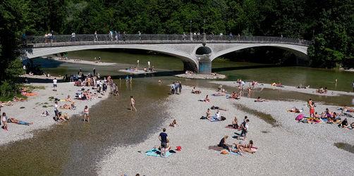 Lebensgefahr beim Anbaden: Das ist zum Start der Badesaison in Bayern absolut tabu