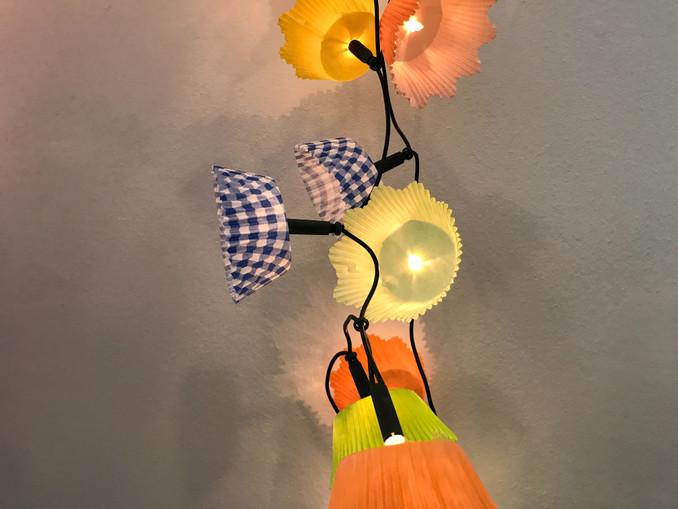Fasching: Bunte Lichterkette basteln