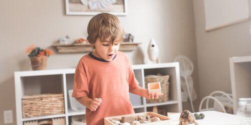 Eltern im Job - Kids in Quarantäne: Wer darf die Kinderbetreuung übernehmen?