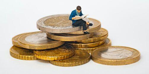 Geld sparen fürs Kind: So bekommt ihr 50.000€ bis zum 18. Geburtstag zusammen