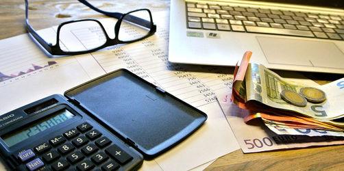 Steuererklärung - Geld zurück: So könnt ihr vor Jahresende noch sparen