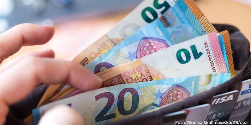 Bargeld soll besteuert werden: Was hinter dem IWF Vorschlag steckt