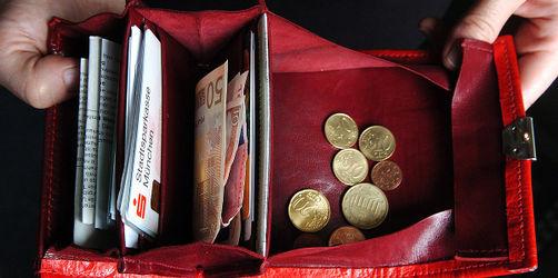 Geldbeutel und Co. gefunden: Das sind eure Pflichten & dafür gibt's Finderlohn