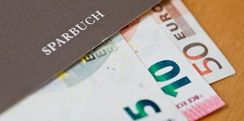Aus Sorge um Kleinsparer: Werden Strafzinsen von Banken jetzt verboten?