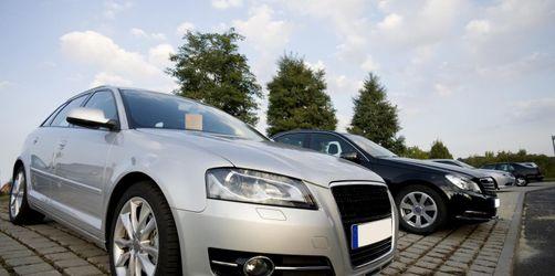 Bankkredit oder Händlerfinanzierung: Worauf du beim Autokauf achten solltest
