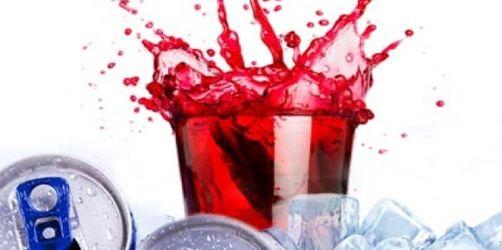 Wasser statt Kaffee und Energydrinks - Tipps der Verbraucherzentrale für den Ferienstart