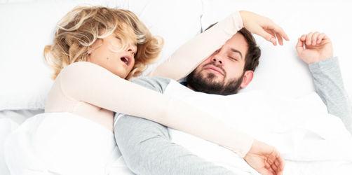 Entgegen Klischees: Junge Frauen schnarchen mehr als Männer