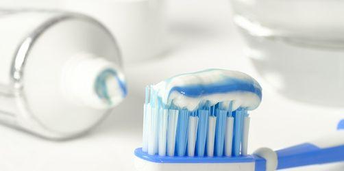 Schön und gesund: Darauf kommt es bei der Zahnpflege an