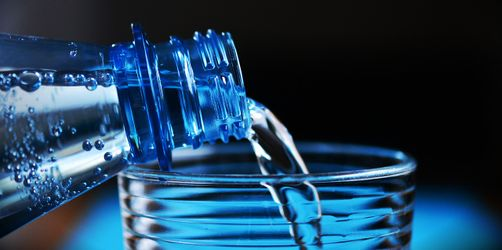 Stiftung Warentest: Diese günstigen Mineralwässer sind die besten!