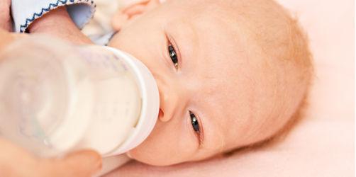Mediziner warnt vor Krebsrisiko: Warum Mamas ihre Babys lange stillen sollten