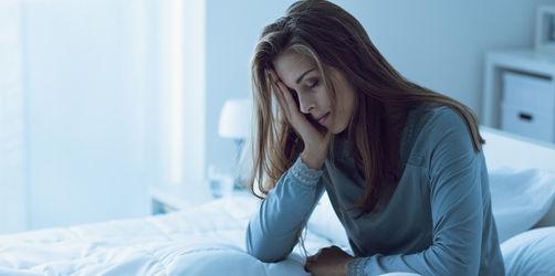 Gesundheitsreport warnt vor zu wenig Schlaf in Bayern: So schlummert ihr besser ein!