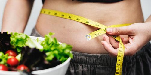 Jeder Zweite hat Übergewicht: Hier checken, ob ihr auch gefährdet seid
