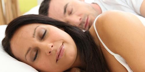 80% leiden unter Schlafproblemen: Mit dieser Methode schlaft ihr garantiert gut ein