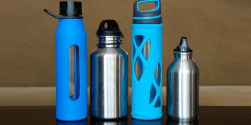 Bakterien-Schleuder Trinkflasche: So oft solltet ihr sie reinigen!