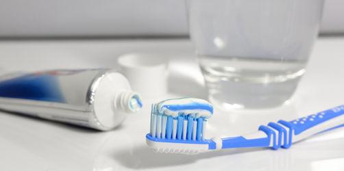 400 Zahncremes im Test: Jede zweite Zahnpasta fällt durch