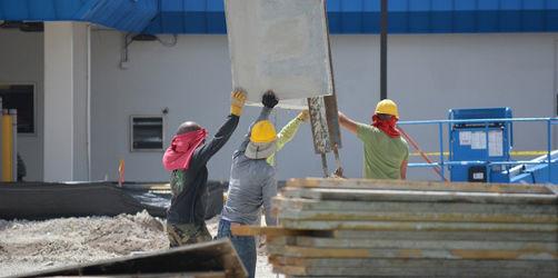 Typische Gefahrenquellen auf der Baustelle - Tipps zum richtigen Arbeitsschutz