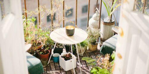 Balkongestaltung leicht gemacht: Möbel, Pflanzen und Deko