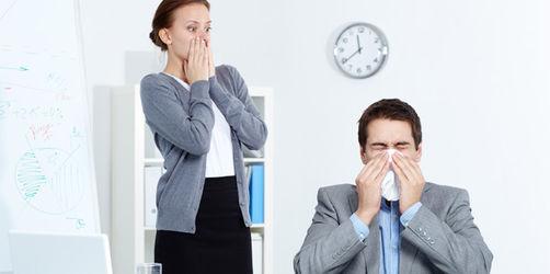 Krank zur Arbeit - Wann Sie besser zu Hause bleiben sollten