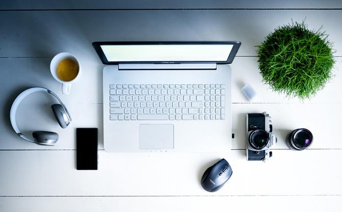 E-Mail, Smartphone und Social Media bei der Arbeit: Der Digital-Knigge fürs Büro