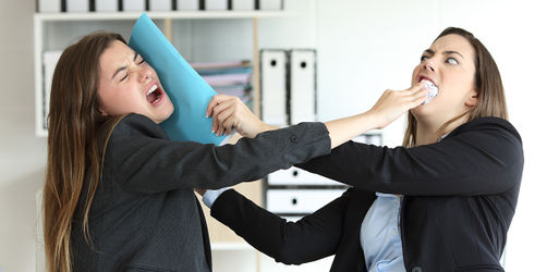 Todsünden im Arbeitsalltag: Diese 7 Dinge nerven uns im Job am meisten