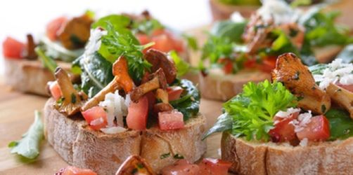 Crostini mit Pilzsoße