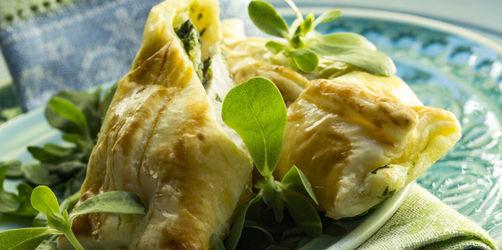 Hauptspeise: Blätterteigtaschen mit Krabben-Spargel-Füllung