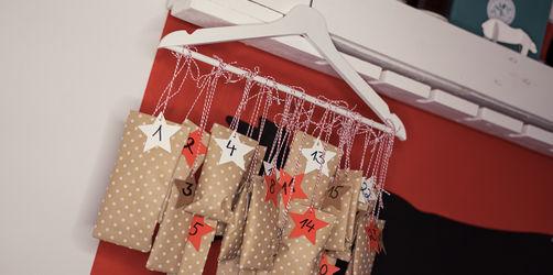 DIY: Kleiderbügel-Adventskalender