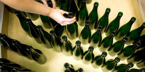 Flaschen-Engpass: Trinken wir Wein bald nur noch aus Fässern?