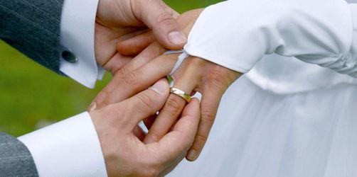 Das sagt euer Hochzeitsdatum über eure Ehe aus!