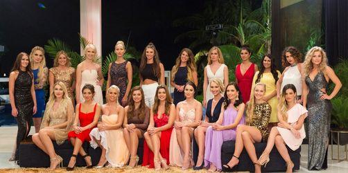 Der Bachelor 2018: Die Kandidatinnen beim großen Bikini-Shooting