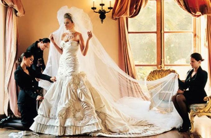 Die 10 teuersten Brautkleider der Welt: Wird Meghan Markle das ...