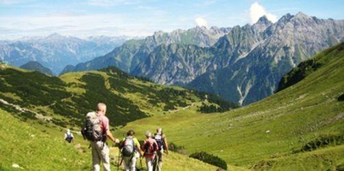 Achtung Zeitumstellung: Tipps fürs Wandern in den Bergen