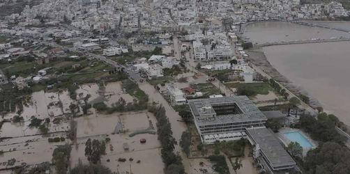 Überschwemmungen auf Kreta: Urlaubsinsel versinkt im Chaos