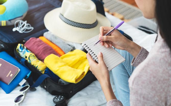 Packliste für den Sommerurlaub: Das darf in eurem Reisegepäck auf keinen Fall fehlen