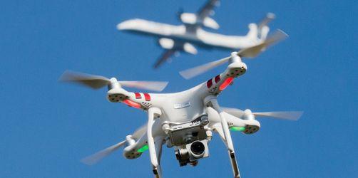 Regeln und Verbote: Das müssen Drohnen-Piloten beim Fliegen beachten!